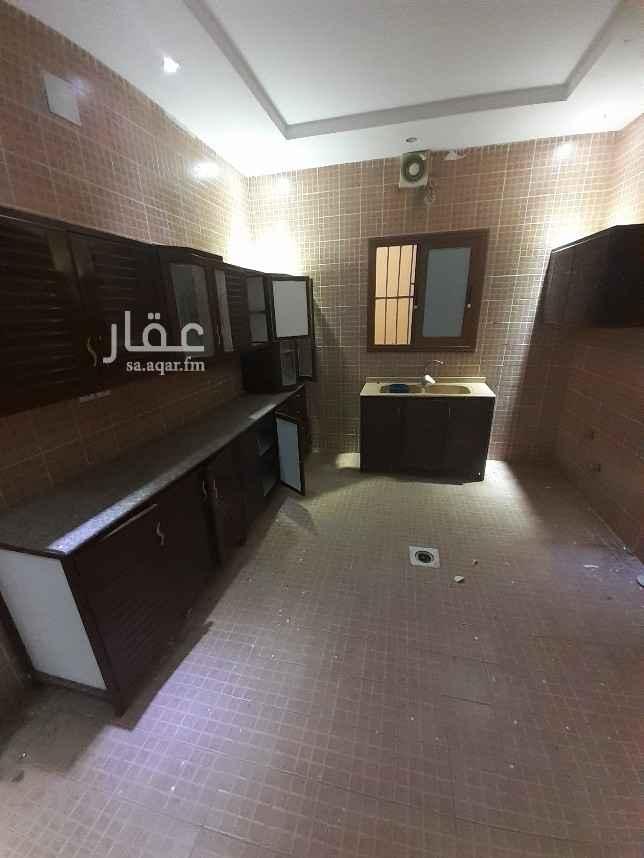 دور للإيجار في شارع احمد بن الخطاب ، الرياض