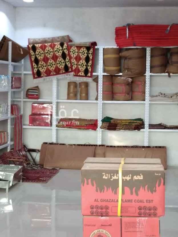 محل للبيع في شارع عثمان بن صدقة ، الرياض ، الرياض