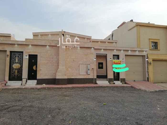 بيت للبيع في شارع الاخلاص ، الرياض