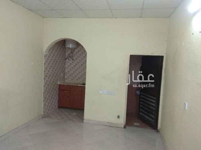غرفة للإيجار في شارع ابي الحسن الانباري ، حي السعادة ، الرياض