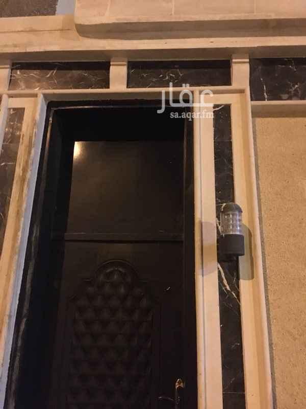 غرفة للإيجار في شارع فهد المعشوق ، حي العزيزية ، الرياض ، الرياض