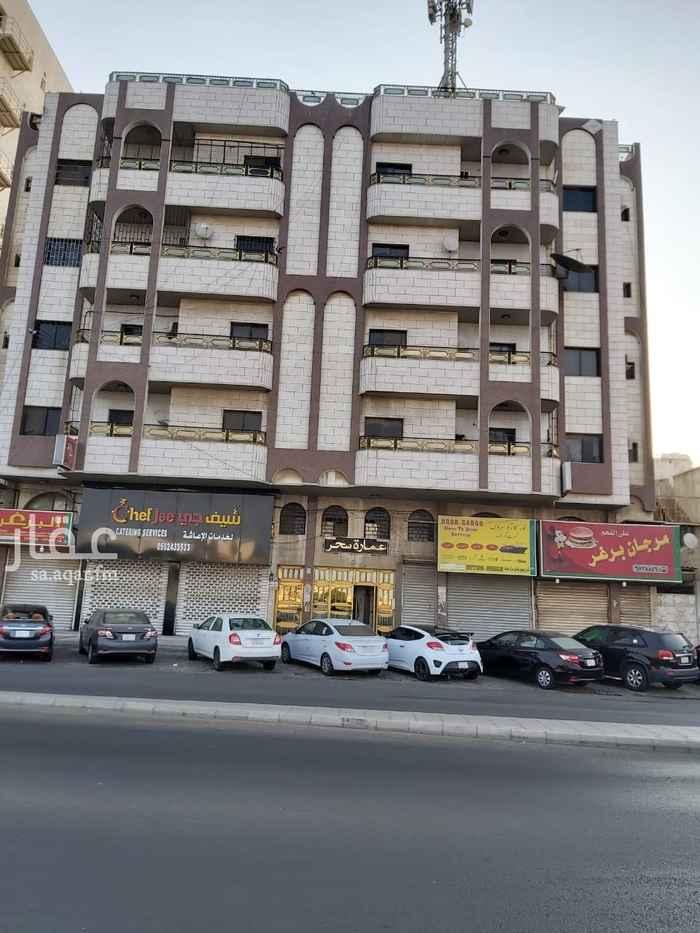 عمارة للبيع في شارع الأمير ماجد ، حي العزيزية ، جدة