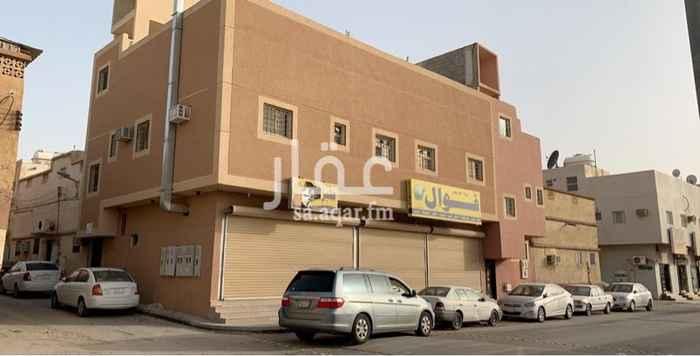 عمارة للبيع في شارع حسن بن عيدان ، حي الجرادية ، الرياض
