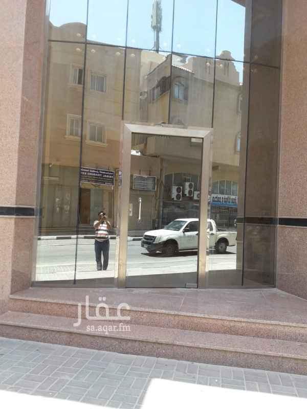 محل للإيجار في شارع الامير طلال بن عبد العزيز ، حي الخبر الشمالية ، الخبر