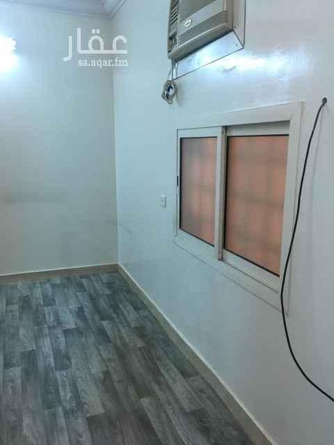 شقة للإيجار في شارع عبداللطيف بن مبارك ، حي الشفا ، الرياض ، الرياض