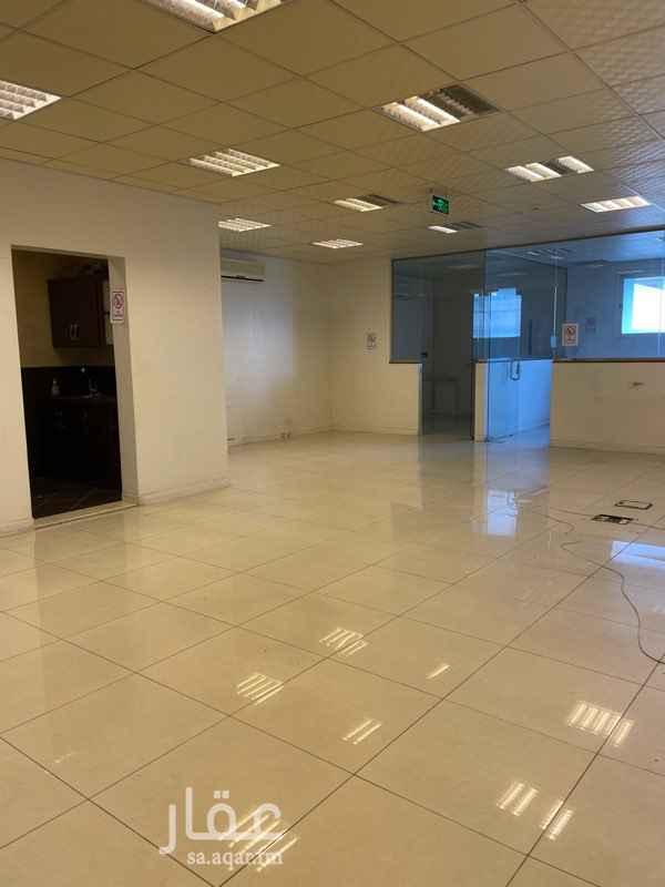 مكتب تجاري للإيجار في شارع التخصصي ، حي الرحمانية ، الرياض ، الرياض