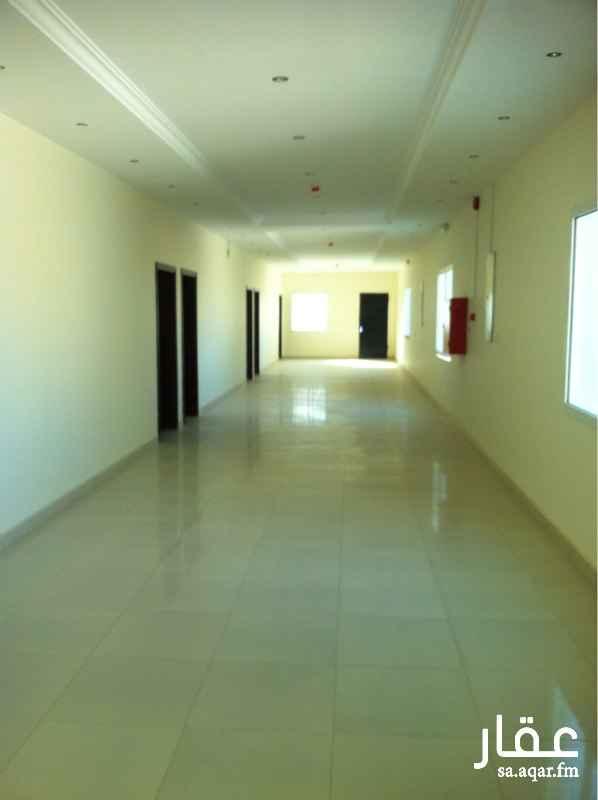 مكتب تجاري للإيجار في طريق ابي بكر الصديق, العارض, الرياض