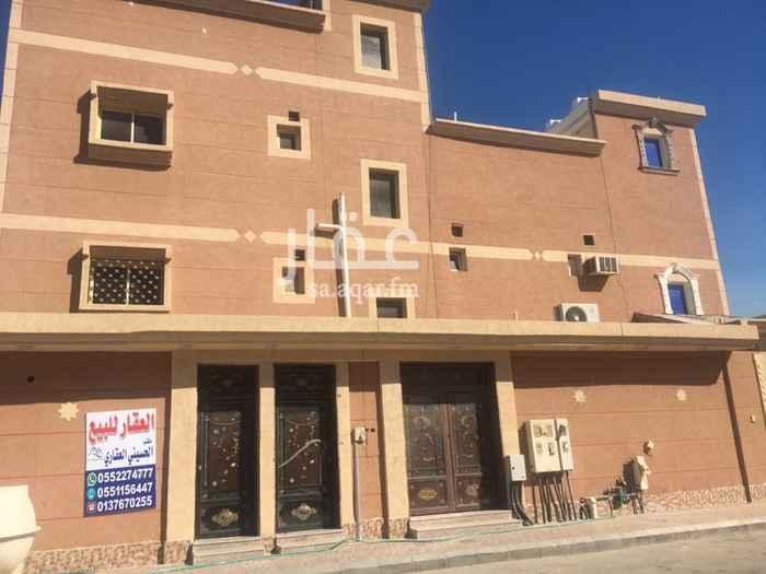 فيلا للبيع في شارع الوليد بن مسلم ، حي العزيزية ، الخفجي ، الخفجى