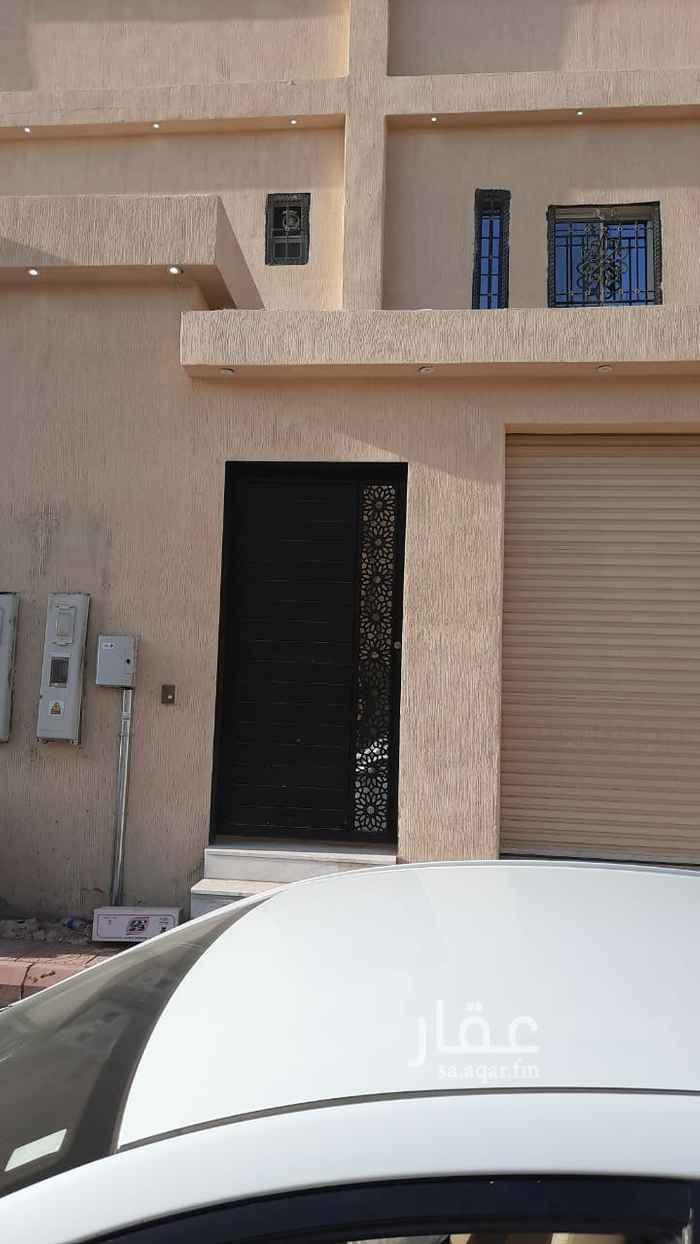دور للإيجار في شارع علي البجادي ، حي الرمال ، الرياض