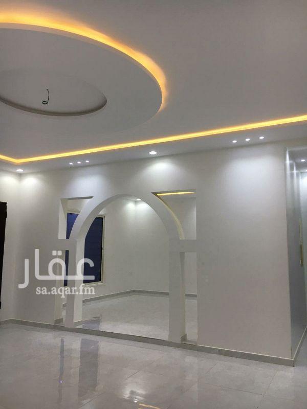 دور للإيجار في شارع محمد بن مانع ، حي القادسية ، الرياض