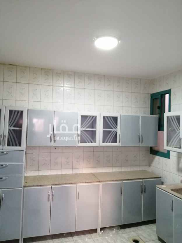 شقة للإيجار في شارع احمد بن علان ، حي العزيزية ، الرياض ، الرياض