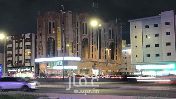 شقة للإيجار في شارع الأمير ماجد ، حي العزيزية ، جدة