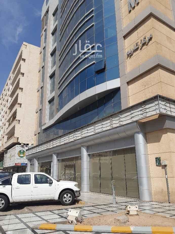مكتب تجاري للإيجار في شارع العليا ، حي العليا ، الرياض