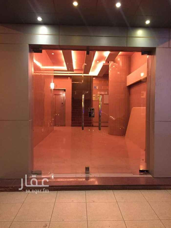 عمارة للبيع في شارع وادي الشعراء ، حي العليا ، الرياض