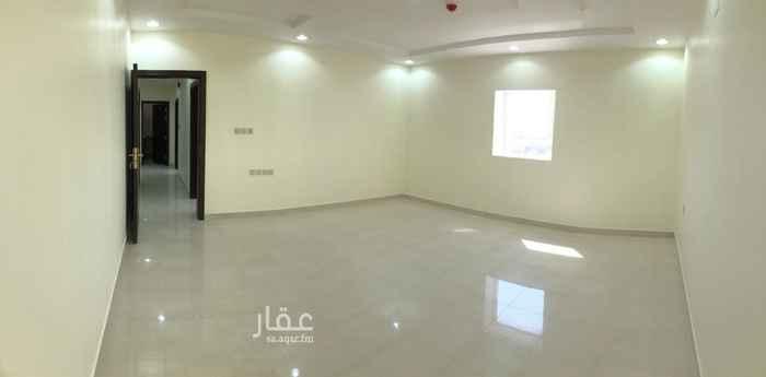 مكتب تجاري للإيجار في شارع حمزة بن عبد المطلب ، حي ظهرة البديعة ، الرياض
