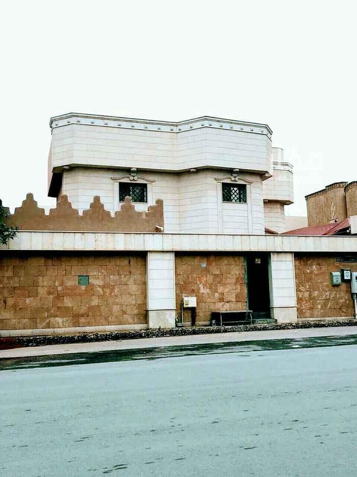 فيلا للبيع في شارع يحيى بن مسعود ، حي الورود ، الرياض ، الرياض