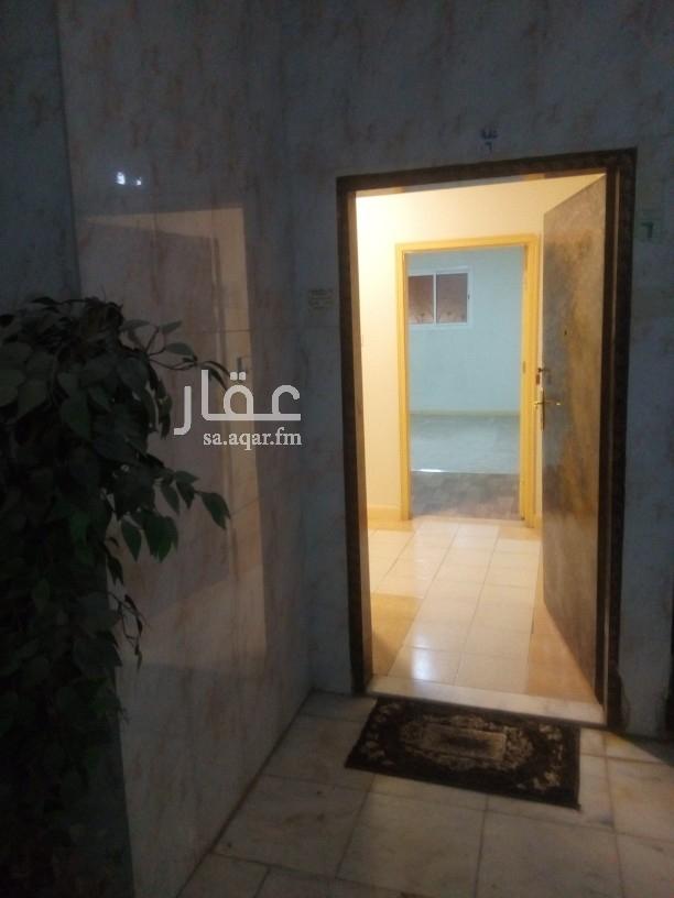شقة للإيجار في شارع بكر الباهلي ، حي الملك فيصل ، الرياض