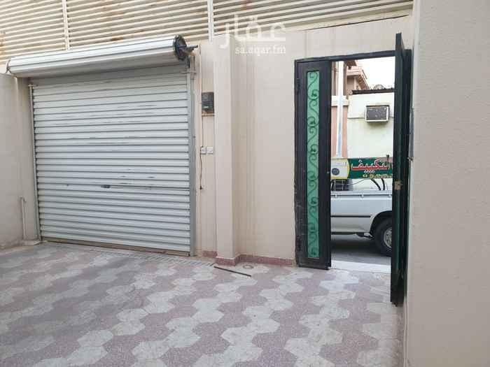 دور للإيجار في شارع سعد بن عتيق ، حي السويدي ، الرياض