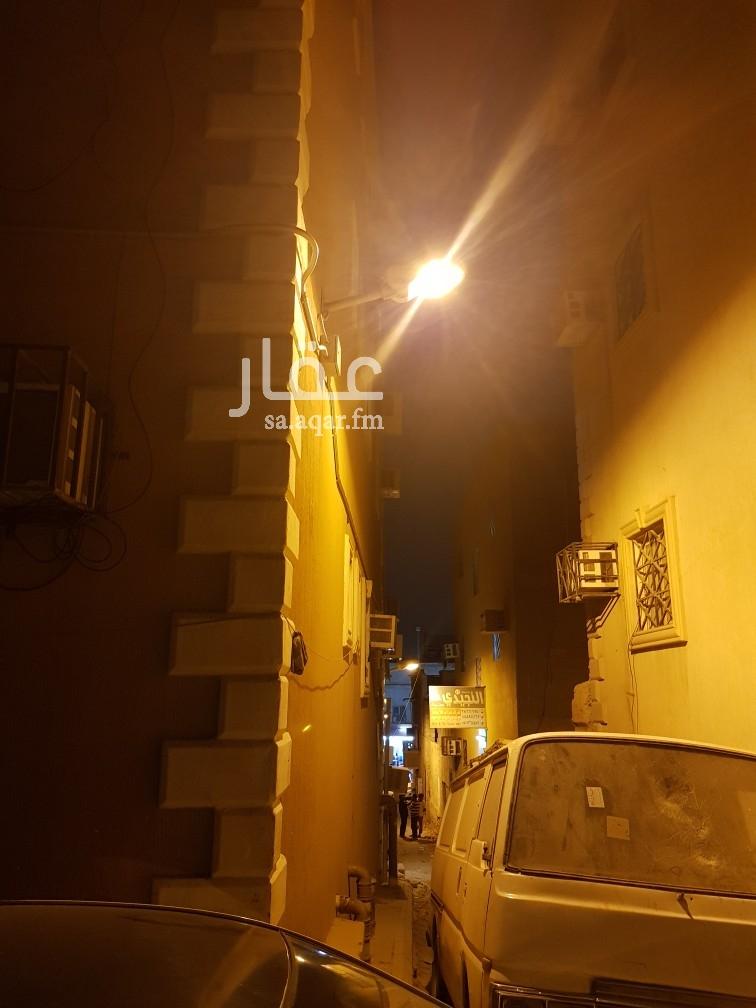 عمارة للبيع في شارع ابن السيوفي ، حي المرقب ، الرياض
