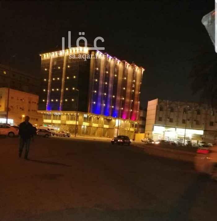 عمارة للبيع في شارع محمد بن سعيد ، حي السلامة ، جدة
