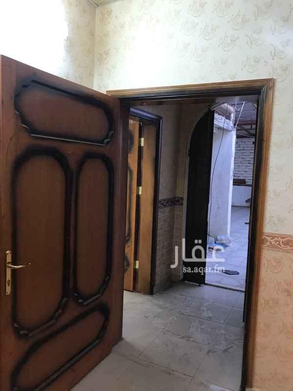 عمارة للبيع في شارع عائشة ام المؤمنيين ، حي المثناه ، الطائف