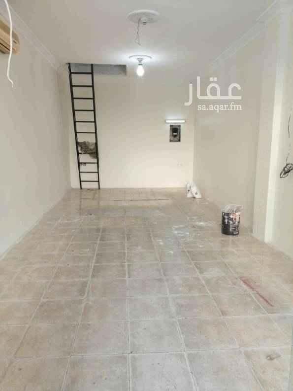 محل للإيجار في شارع محمد الجزولي ، حي المروة ، جدة