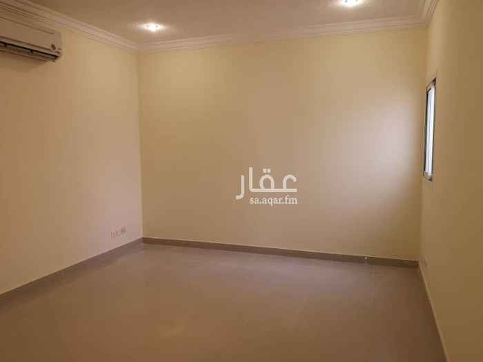 مكتب تجاري للإيجار في شارع ادم بن ربيعة ، حي الملز ، الرياض