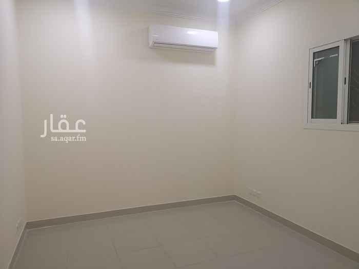 مكتب تجاري للإيجار في شارع زيد بن ثابت ، حي الملز ، الرياض