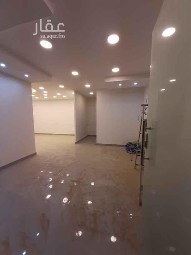 محل للإيجار في شارع عبدالرحمن بن عزاز ، حي الشهداء ، الرياض ، الرياض