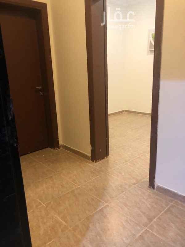 شقة للإيجار في شارع عبدالله بن سيف ، حي العقيق ، الرياض