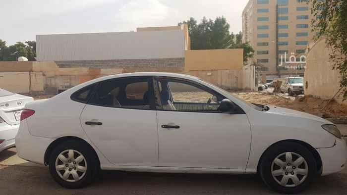 أرض للبيع في شارع الفرزدق ، حي الضباط ، الرياض ، الرياض