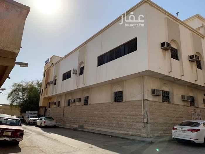 عمارة للبيع في شارع الملحاء ، حي العود ، الرياض ، الرياض