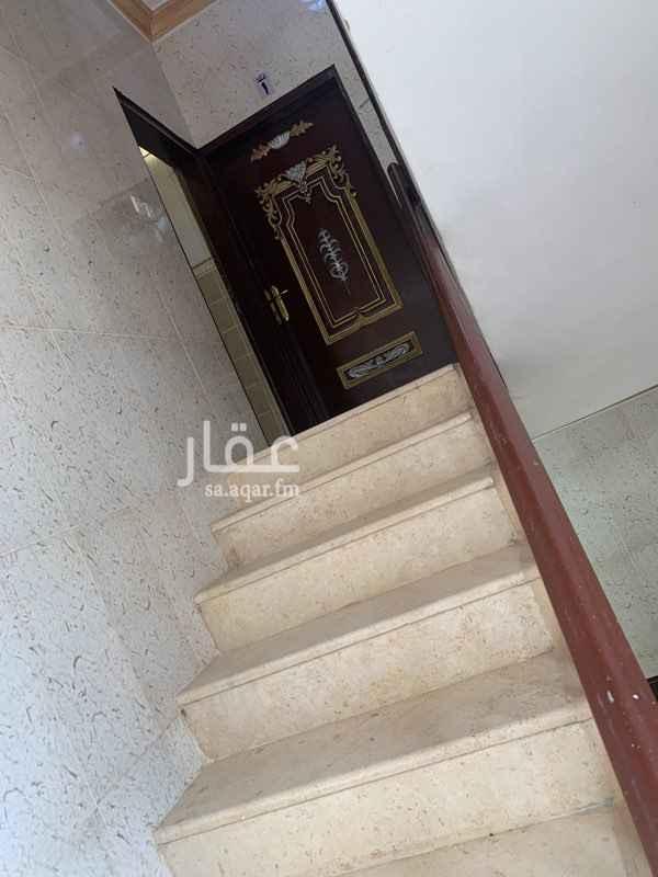 شقة للإيجار في شارع النبقين ، حي ظهرة لبن ، الرياض