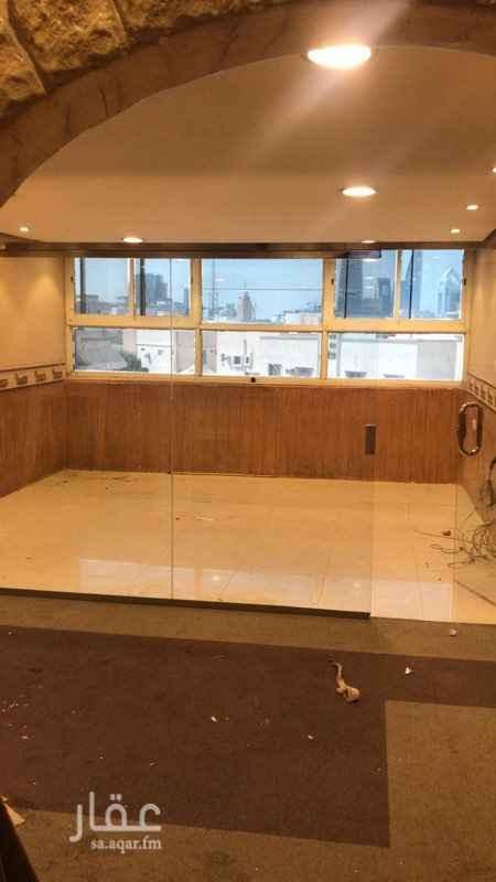 مكتب تجاري للإيجار في شارع الأمير عبدالعزيز بن مساعد بن جلوي ، حي العليا ، الرياض ، الرياض