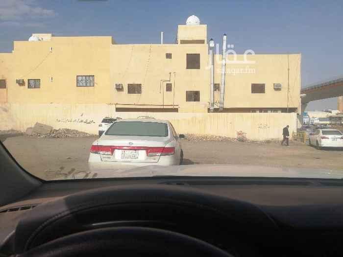 أرض للبيع في طريق صلاح الدين الأيوبي الفرعي ، حي الربوة ، الرياض