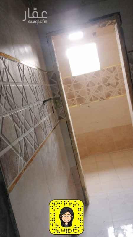 عمارة للبيع في شارع حبيبه بنت ابي امامه ، حي العزيزية ، المدينة المنورة ، المدينة المنورة
