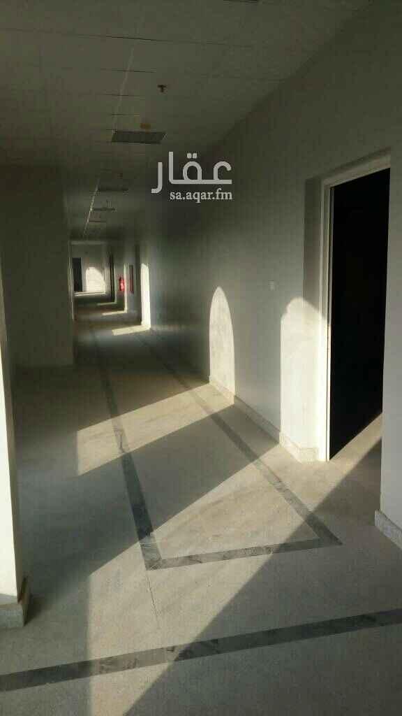 مكتب تجاري للإيجار في شارع موسى بن نصير ، حي الراكة الجنوبية ، الخبر