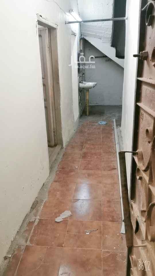 بيت للإيجار في شارع المسعودي ، حي الدواسر ، الدمام ، الدمام
