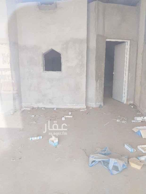محل للإيجار في شارع الخليفة المأمون ، حي بدر ، الرياض