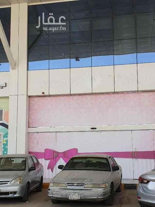 محل للإيجار في طريق الأمير تركي بن عبدالعزيز الأول ، حي المعذر الشمالي ، الرياض