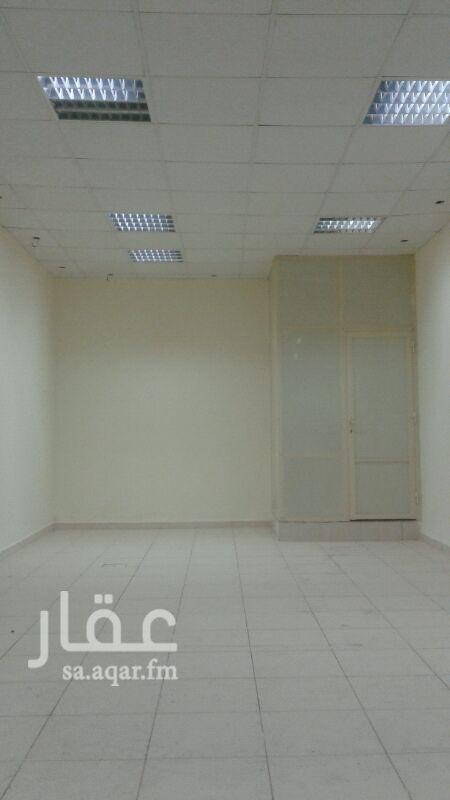 محل للإيجار في الشارع الخامس والعشرين ، حي الخبر الجنوبية ، الخبر