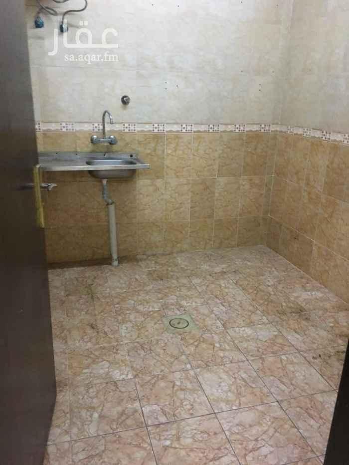 شقة للإيجار في طريق النصر ، حي العزيزية ، الرياض