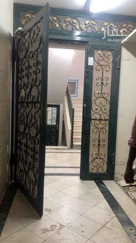 شقة للإيجار في شارع ابن قزمان ، حي المربع ، الرياض ، الرياض