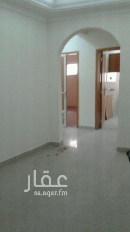 شقة للإيجار في شارع بشار بن برد ، حي العقربية ، الخبر