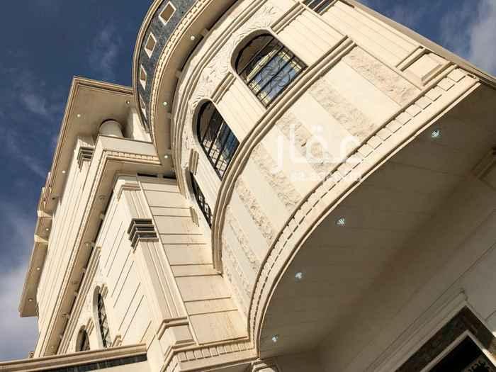 دور للإيجار في شارع محمود بابلي ، الرياض