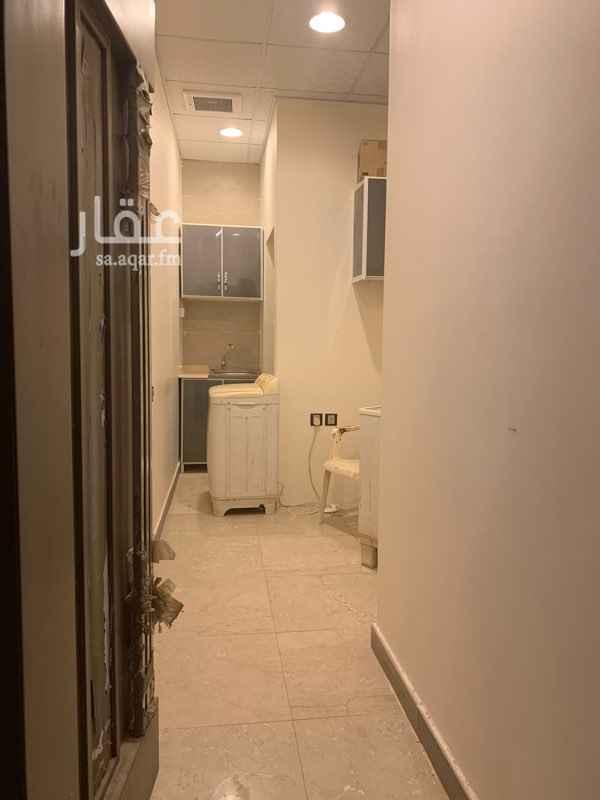 غرفة للإيجار في شارع علقمة بن سمي الخولاني ، حي العوالي ، الرياض