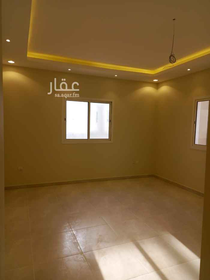 دور للإيجار في شارع رقم 352 ، حي النرجس ، الرياض
