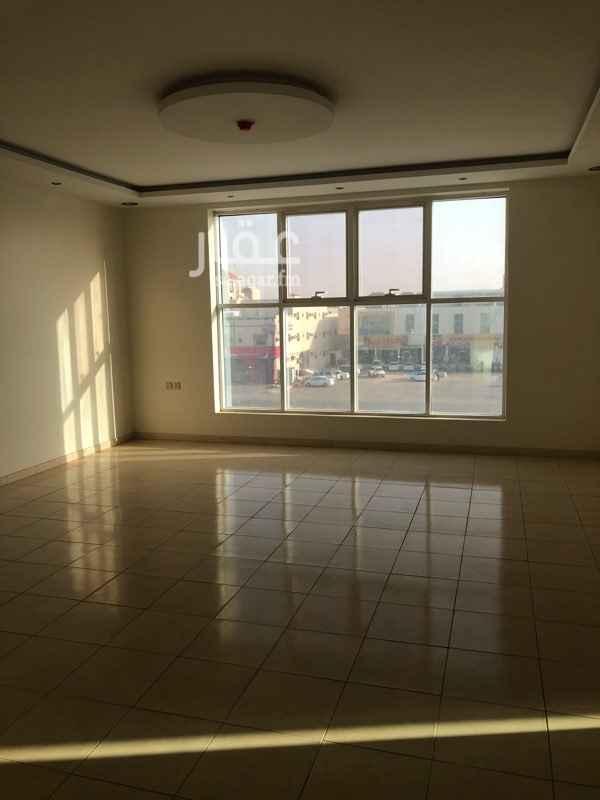 مكتب تجاري للإيجار في حي الجنادرية ، الرياض