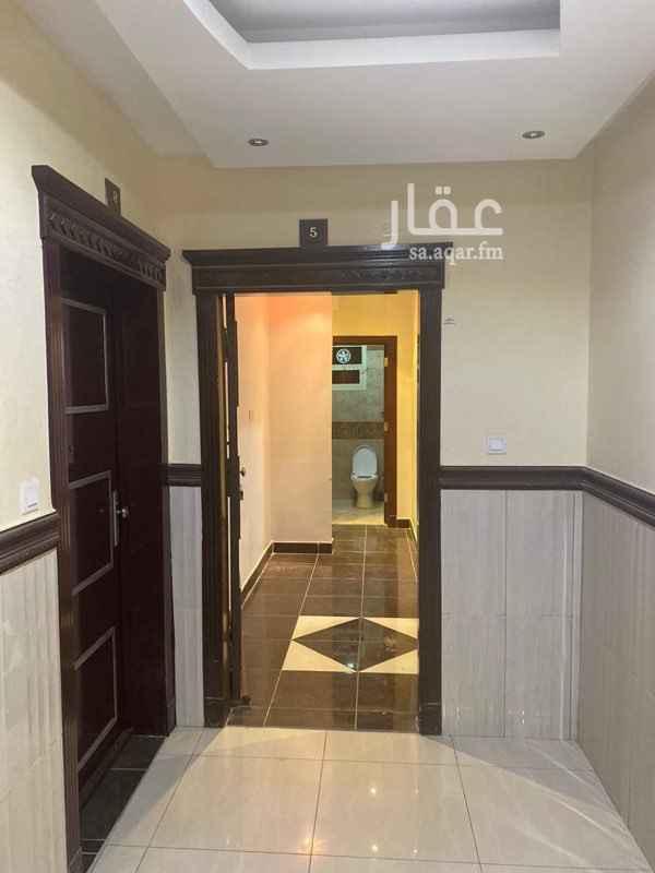 شقة للإيجار في شارع القلعة ، حي الربيع ، الرياض