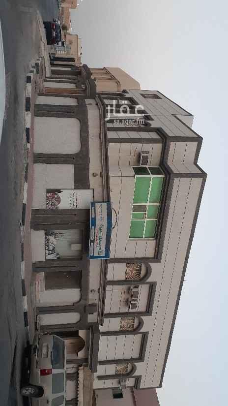 بيت للبيع في شارع 8هـ ، حي بدر ، الدمام